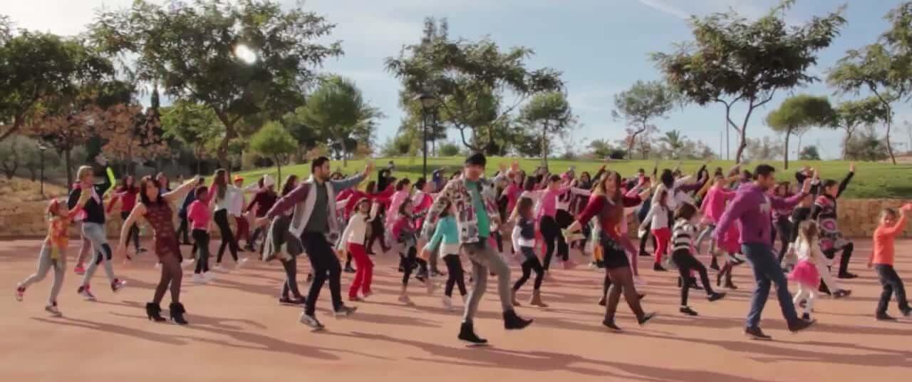 Producción de unvideoclip flashmob de la productora audiovisual de Alicante para el cantante Antonio Castillo, para el single El Mundo al Natural.