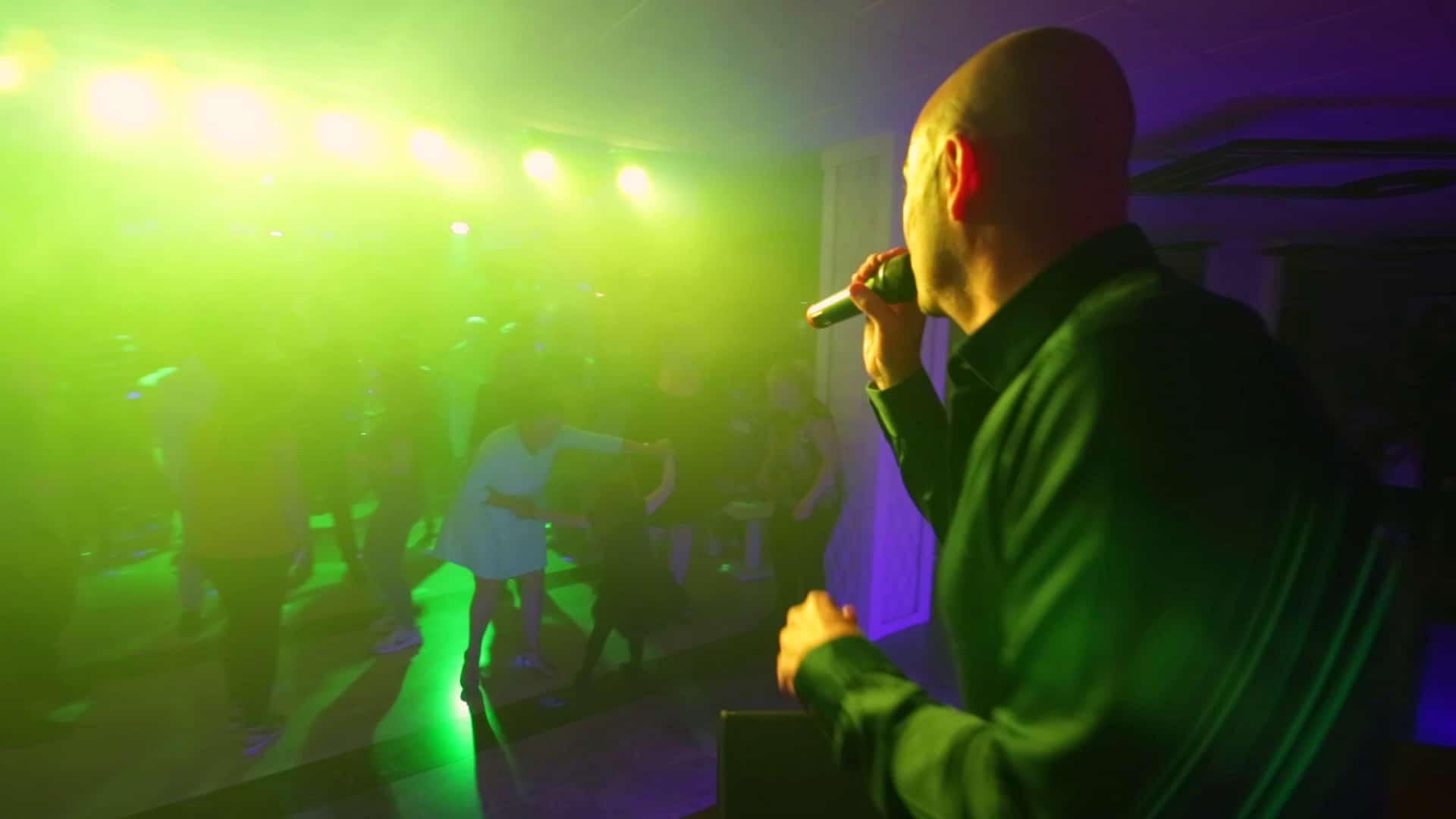 Producción audiovisual concierto realizado en el Hotel Sandos Benidorm Suites a cargo del cantante británico Kenny Thomas.